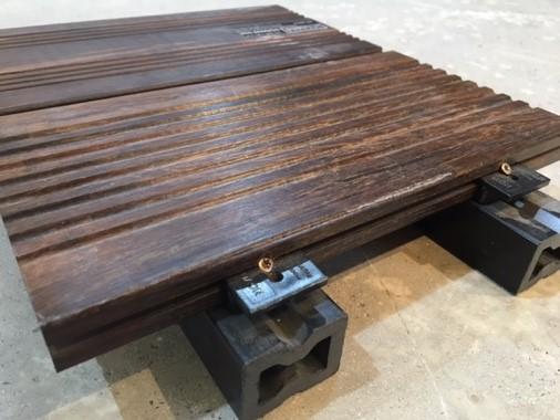 pose de terrasse en pin autoclave pour terrasse sur dalle de béton